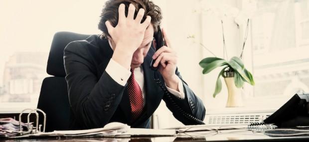 empresario-triste-preocupado