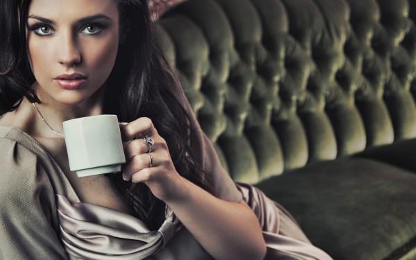 Gourmet-Coffee-Sexy-Girl-600x375