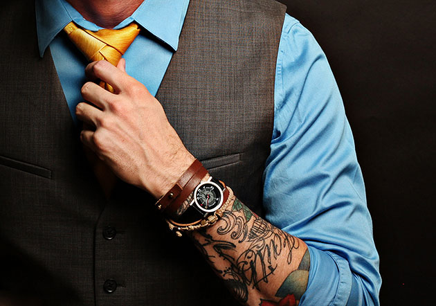 tattoo-business-suit